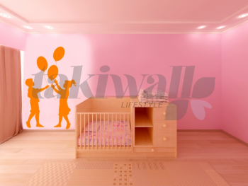 Kids with Balloon